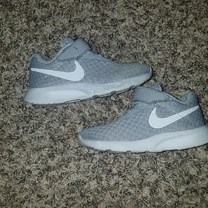 Nike grey gym shoes